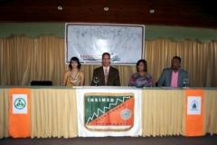 Integrantes de la mesa directiva. De izquierda a derecha: La Lic. Nadime Bachá, el Dr. Fauzi Bachá Arbaje, la Dra. Katihurca Almonte y el Dr. Luis Pichardo.