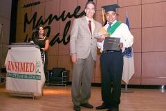 Antonio Saint Louis recibe el Premio a la Excelencia