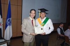 Dr. Bachá Arbaje hace entrega del certificado de Sonografista General al Dr. Pablo Roberto Carvajal