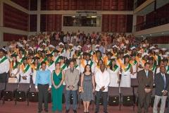 2directivos-graduandos-y-publico-08